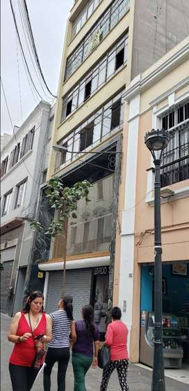 Ocasion por viaje vendo local de 32 metros, tercer piso edificio select centro de Lima