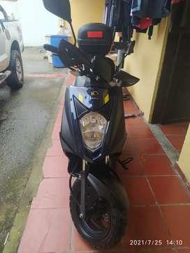 Vendo moto con muy poco uso matriculada noviembre 2020
