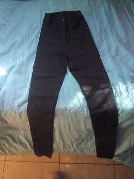 Pantalon engomado 200$
