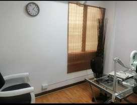 Alquilo espacio consultorio odontológico o médico