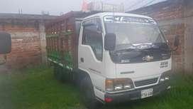 Vendo Camion Nhr 2003 a toda prueba en regla papeles se entrega al dia sur de quito