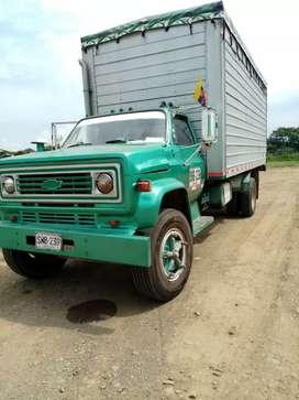 Camion chevrolet C70 modelo 81 repotenciado  2004/motor nissan 185