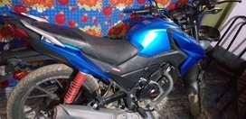 Vendo moto o doy moto y plata x un auto