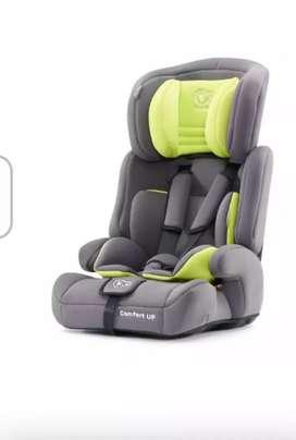 Silla de auto para bebé marca Kinderkraft
