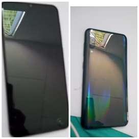 Vendo Samsung A50 display malo lo entrego con cargador original