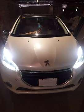 Peugeot 208 feline top cuir