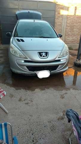 Peugeot 207 compact. Titular al día.