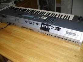 Se vende teclado syntetizador yamaha motif es7