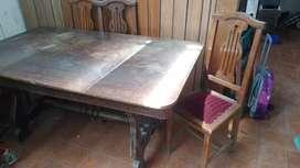Vendo masa extendible con 10 sillas usados