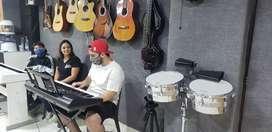 Guitarra, bajo eléctrico,piano, ukelele, batería, clases