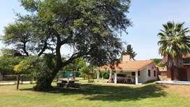 VILLA LOS AROMOS: Casa de fin de semana en la hermosa villa serrana a 1 y 1/2 cuadra del rio