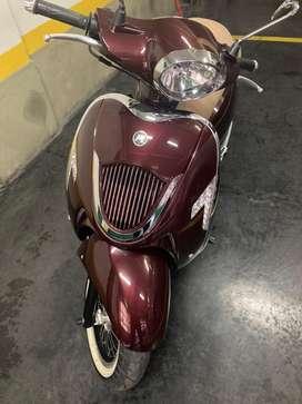 Vendo moto Motomel Strato alpino modelo 2019  con 3200 km,cilindrada 150  precio incluye casco