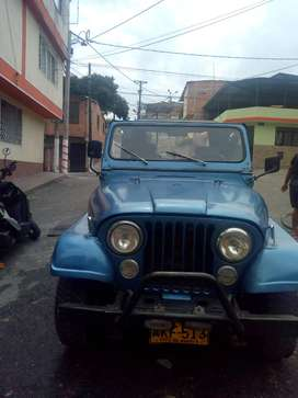 Se vende Jeep en Ibagué