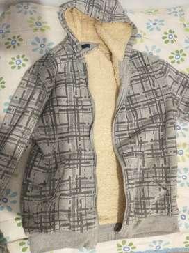 Vendo ropa usada para hombres y niños
