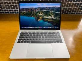 MacBook Pro 2017 - 13 inch / ssd 256gb / ram 8gb ¡POCO USO!