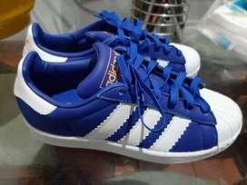 Vendo Tennis Adidas Superstar