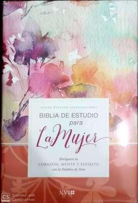 Biblia de estudio para la mujer NVI