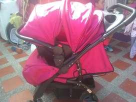 Se vende coche y canasta para bebe
