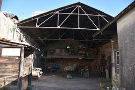 Dueño vende galpón con maquinas de carpintería