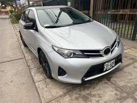 Se vende Toyota Auris 2013