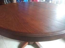 mesa redonda de Algarrobo 140cm.