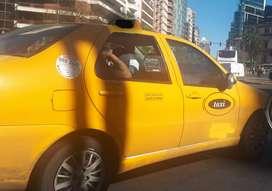 Busco Chofer de taxi con papeles al día!!!