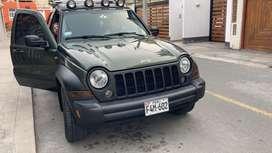 Vendo Jeep Cherokee 4x4, motor 3700, en perfecto estado de conservación, ocasión