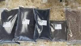 Tierra negra mejorada, arlita, perlita, humus solido, guano
