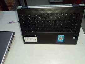 Laptop HP táctil y teclado
