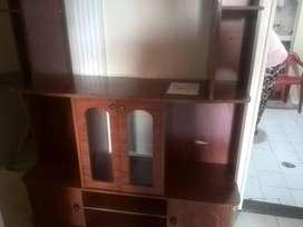 Mueble para tv,con rodachines en buen estado