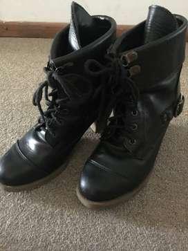 Vendo botas Nº 39