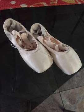 Zapatillas de punta excelente estado de aprendizaje talle 3