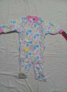 Piyamas NUEVOS para bebe