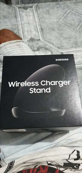 Cargador inalámbrico (wireless charger stand)