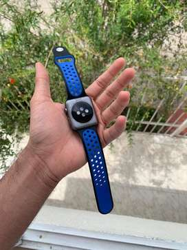 Se vende reloj apple watch serie 1 42mm