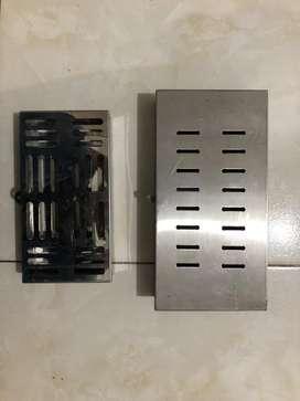 Caja en acero para esterilizar instrumental