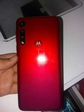 Se vende motorola g8 play