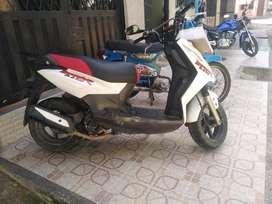 Moto AKT Dinámic R