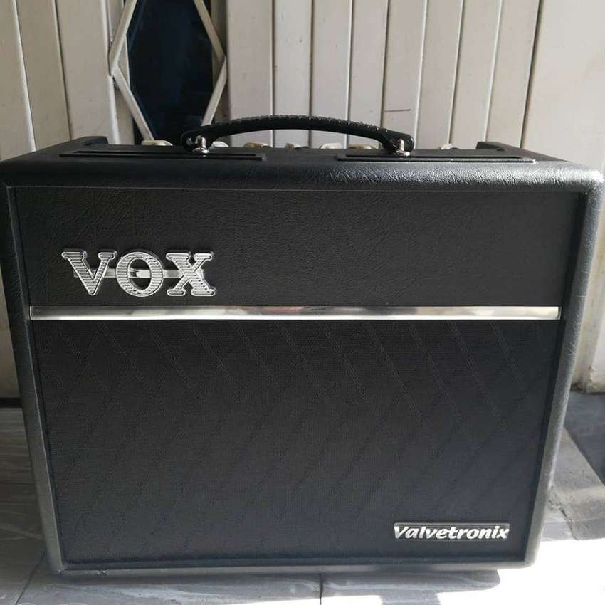 Amplificador de Guitarra Vox Valvetronix VT20+ 0