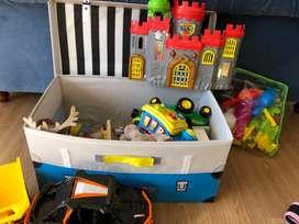 Baúl con juguetes