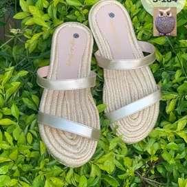 Sandalias color disponible