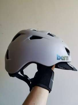 Casco de bicicleta BERN