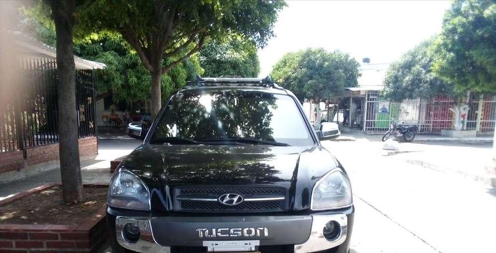 se vende camioneta modelo tucson, año 2008