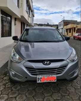 Hyundai, unico dueño vehiculo familiar