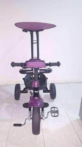 Triciclo infantil duck.poco uso esta en muy buena condiciones