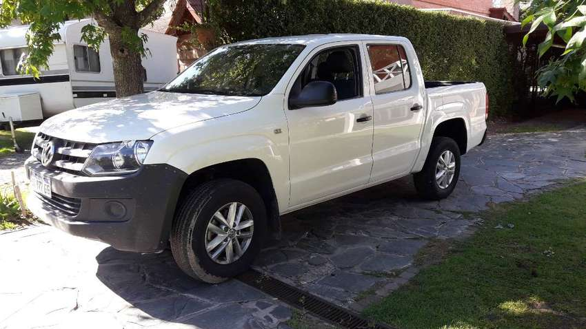 VW AMAROK 2017 4X4 TOMO PERMUTA MAYOR O MENOR VALOR 0