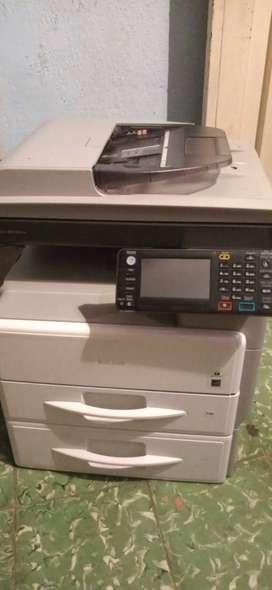 fotocopiadora multifuncional marca ricoh