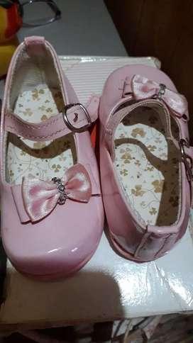 Vendo sandalia nena nro 20
