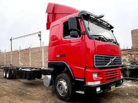 Volvo rojo FH12 4x2
