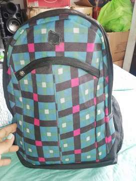 Vendo mochila usada